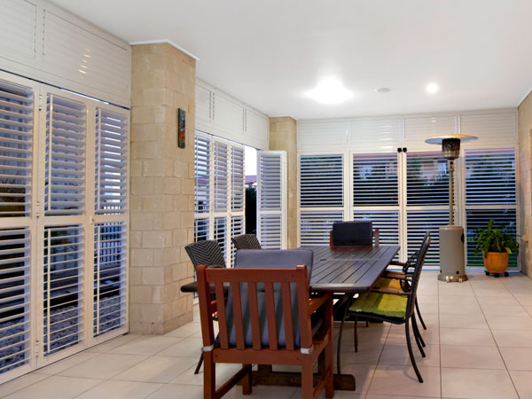 Aluminium shutters, hinged panels, tilting blades