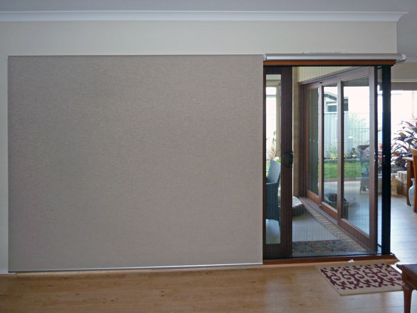 motorised roller blind