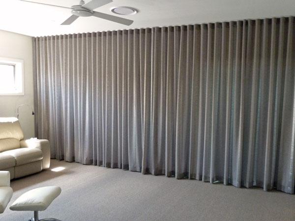 Sheer curtain, blockout lining