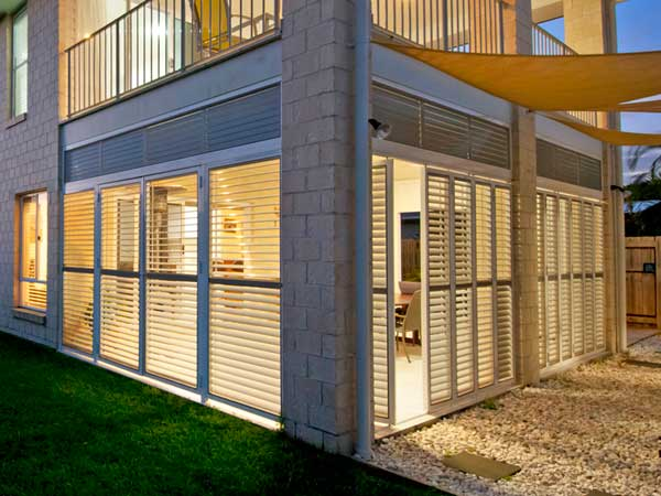 Aluminium shutters, hinged panels, tilting blades